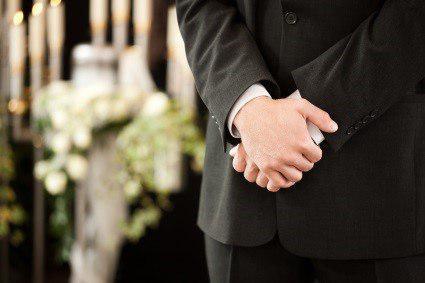 در مراسم ختم چه جواهراتی باید پوشید؟2